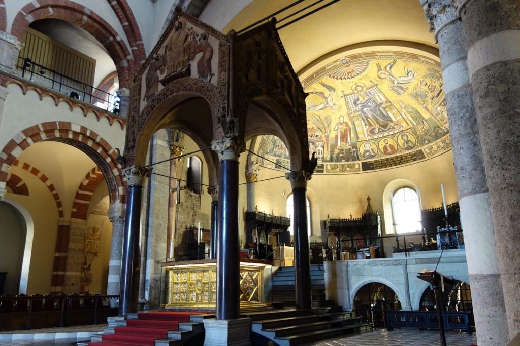 ミラノ「サンタブロージェ聖堂」10