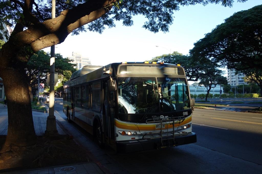 ザ・バス(3番ルート)