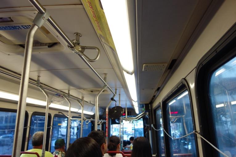ザ・バス:バスの内部