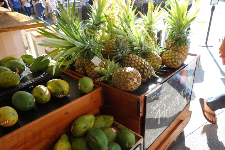 ホールフーズ カハラ店:果物1