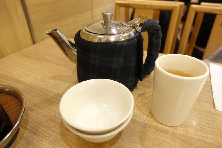 鼎泰豊(ディンタイフォン)台北本店のお茶1