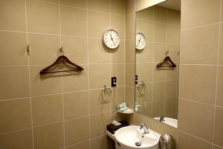 TIATラウンジのシャワールーム2