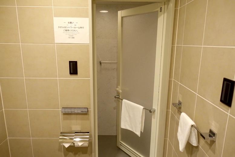 TIATラウンジのシャワールーム3