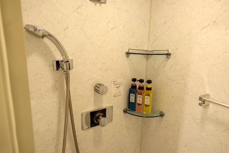 TIATラウンジのシャワールーム4