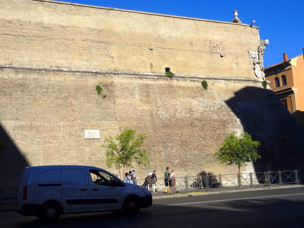 ヴァチカン美術館の外観1