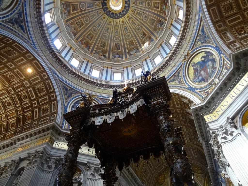 サン・ピエトロ大聖堂の内観2