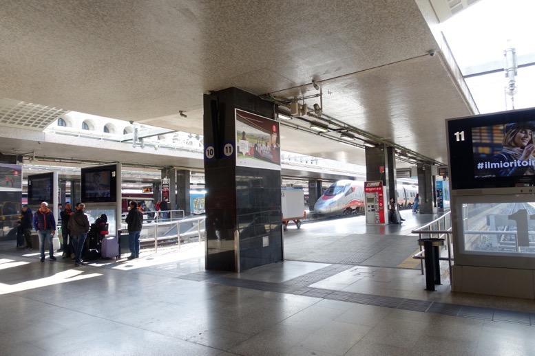 テルミニ駅のプラットフォーム