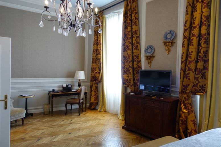 「セントレジス ・フィレンツェ」の客室4