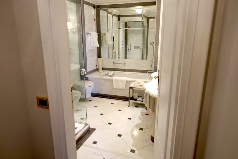 「セントレジス ・フィレンツェ」のバスルーム1