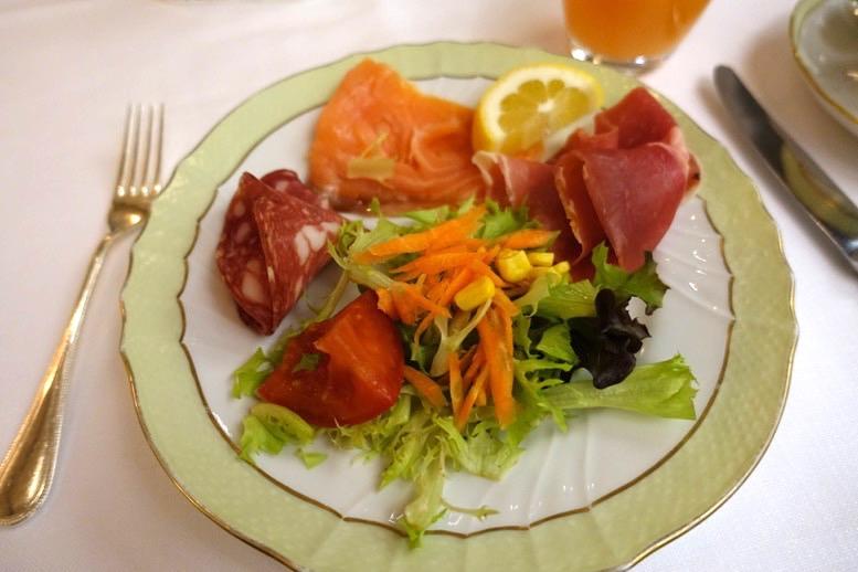 朝食ビュッフェ:前菜