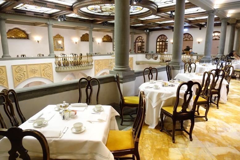 セントレジス・フィレンツェの朝食会場2