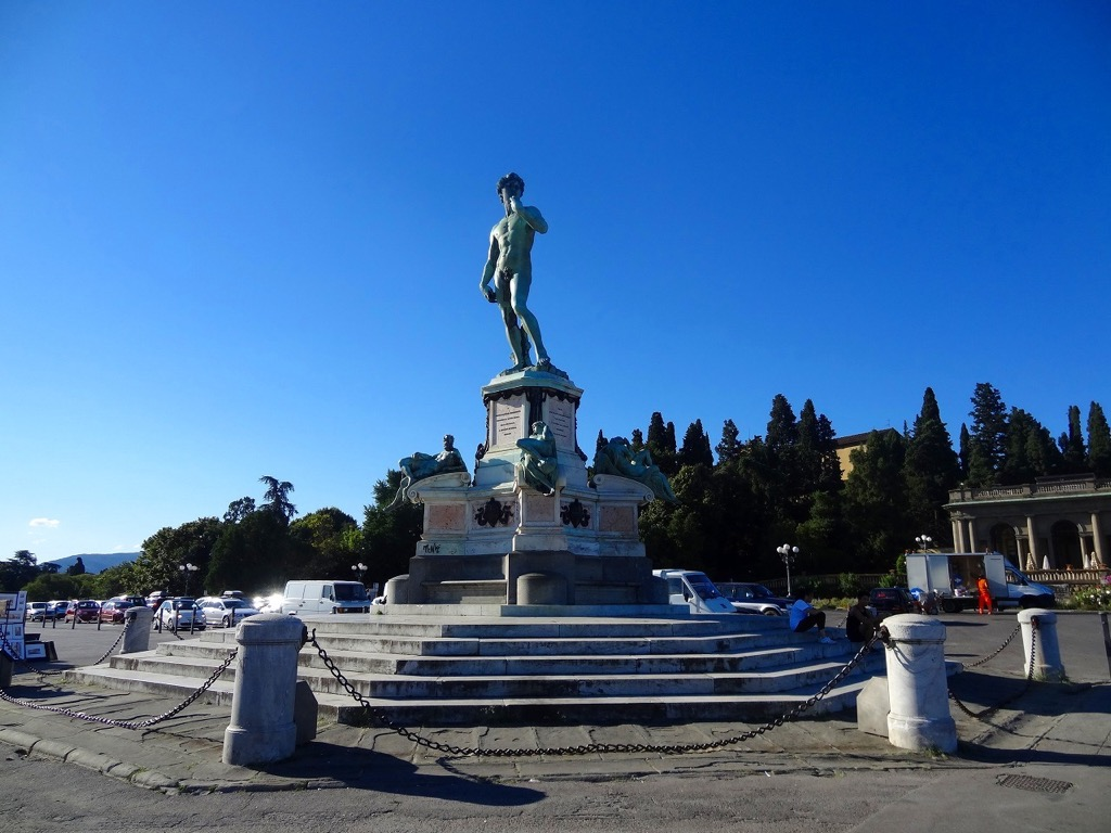 ミケランジェロ広場の「ダヴィデ像」1