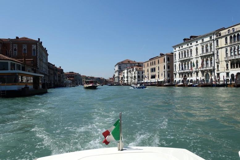 ベネチア「水上タクシー」のイメージ