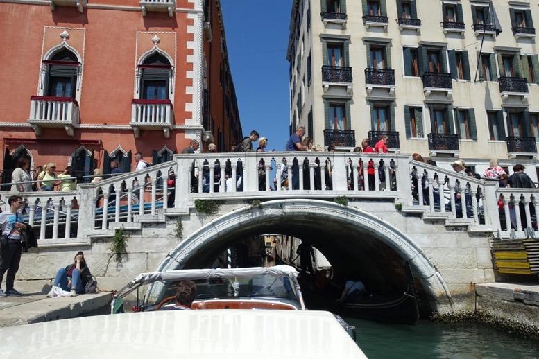 ベネチア「水上タクシー」の船上からの眺望7