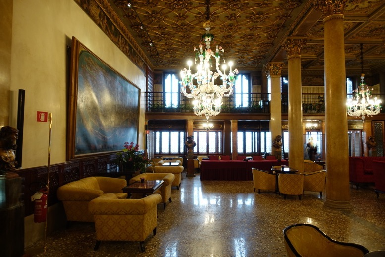 「ホテル・ダニエリ」のロビー2