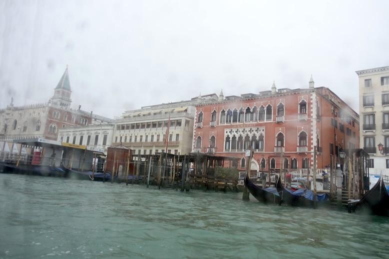 水上タクシーからの眺望1