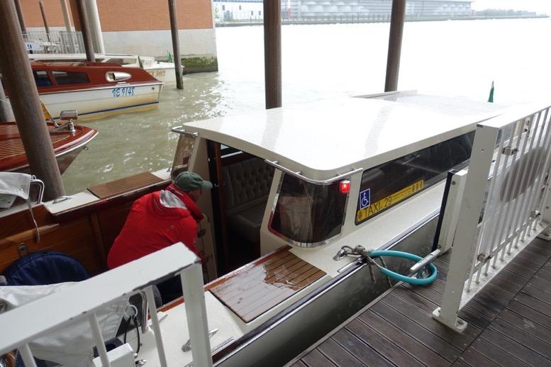 水上タクシーのメーター(料金)2