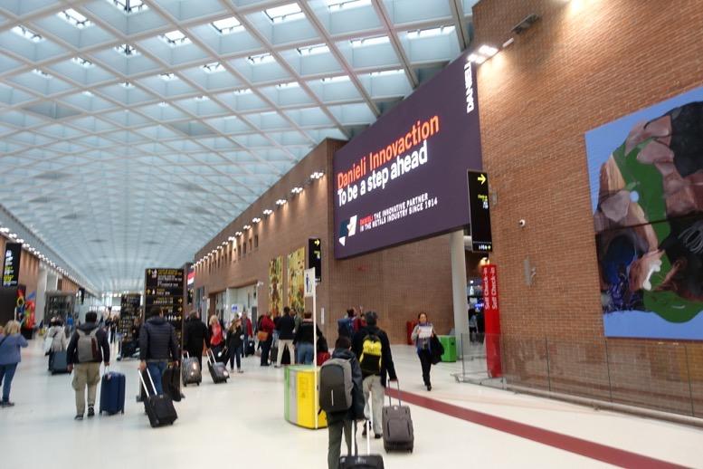 ベネチアのマルコポーロ空港の様子1