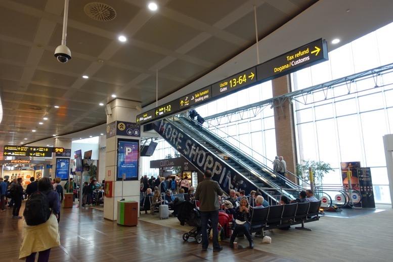 テッセラ空港(マルコポーロ空港)「ラウンジの行き方」1
