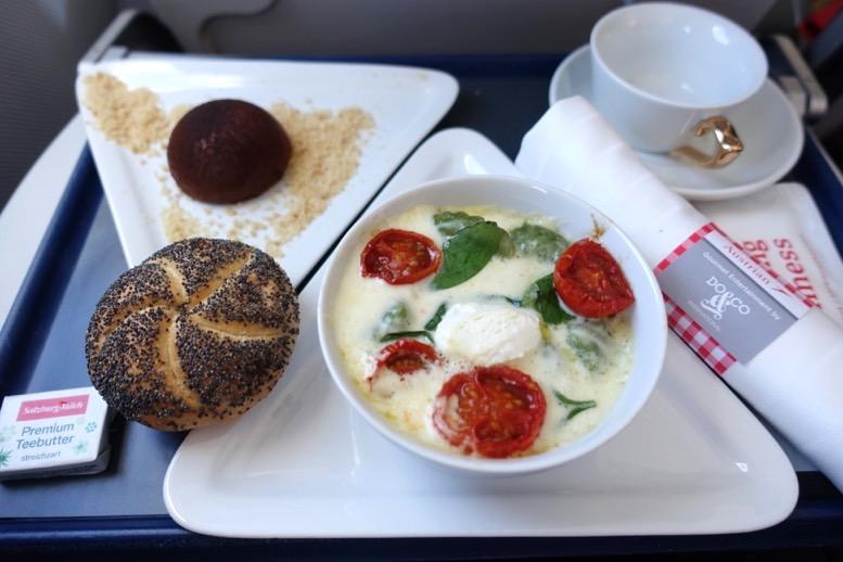 オーストリア航空:機内食とドリンク1