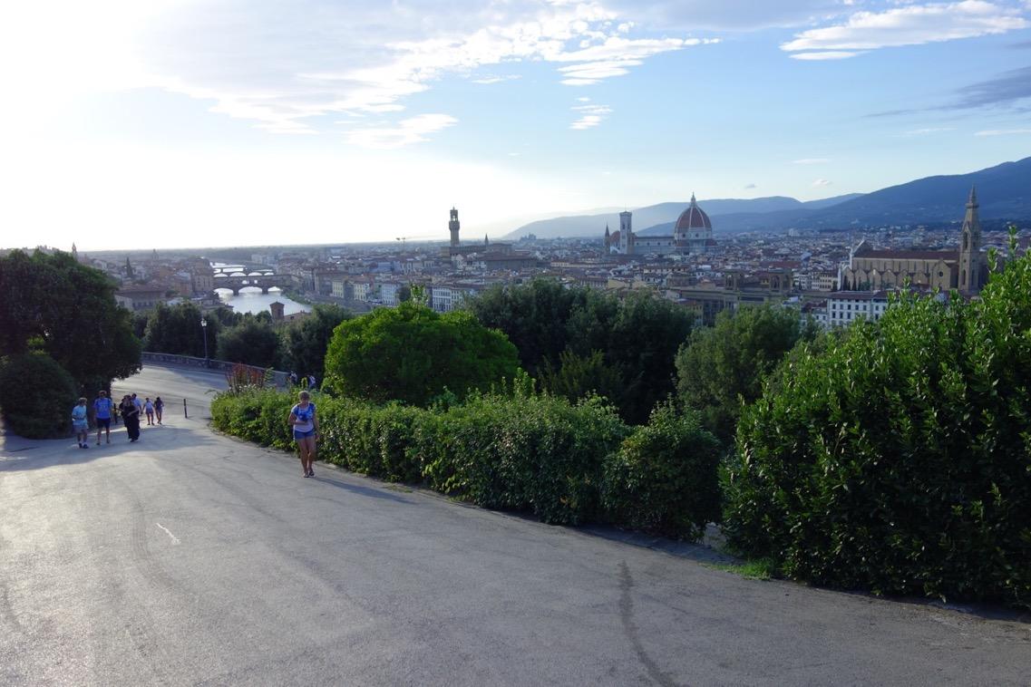 ミケランジェロ広場からの「徒歩」ルート2