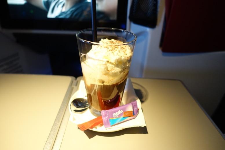オーストリア航空「ビジネスクラス」のコーヒーサービス4
