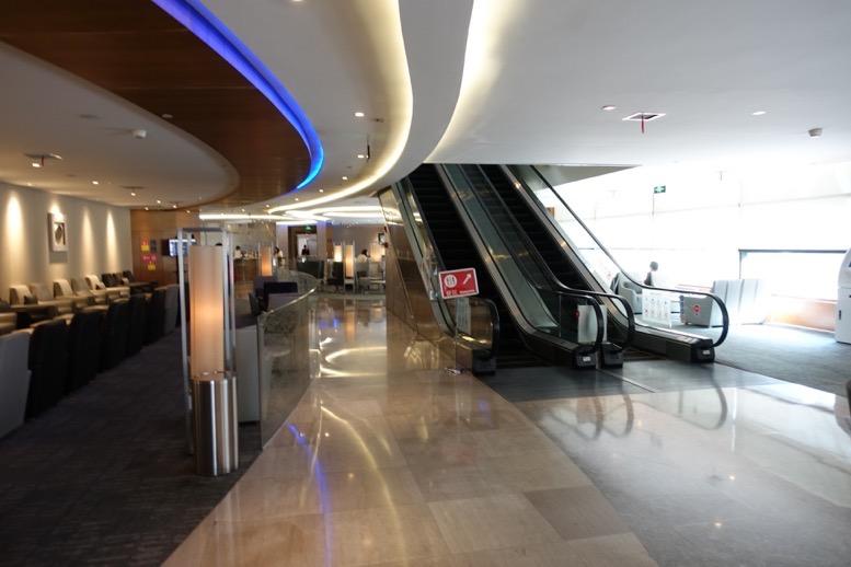 上海浦東空港のエアチャイナラウンジ:全体像と雰囲気3
