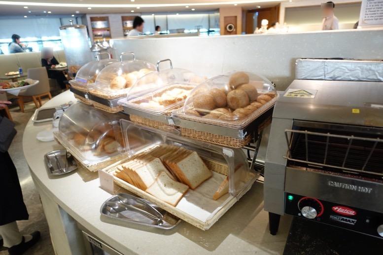 上海浦東空港のエアチャイナラウンジ:ビュッフェコーナー(5階)3