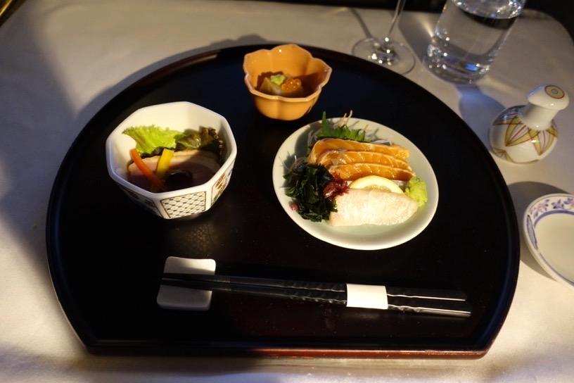 エミレーツ航空ファーストクラス:機内食(和食)1