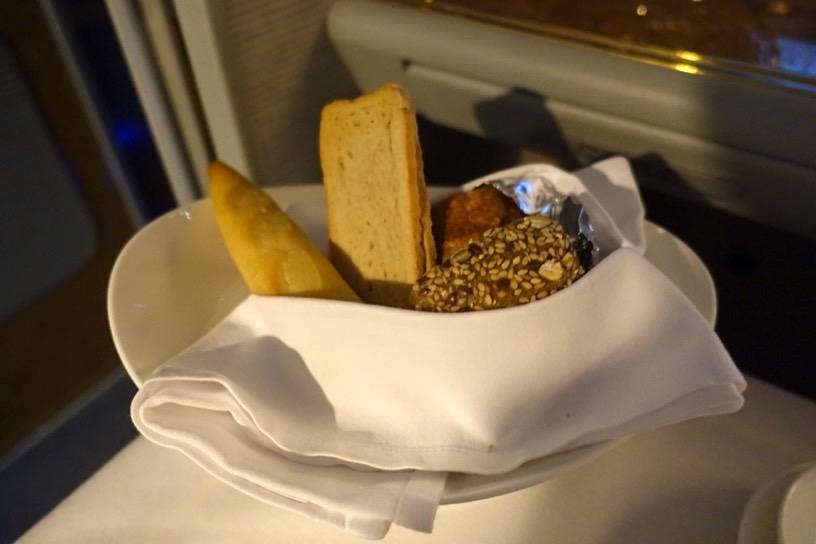 エミレーツ航空ファーストクラス:機内食(洋食)2