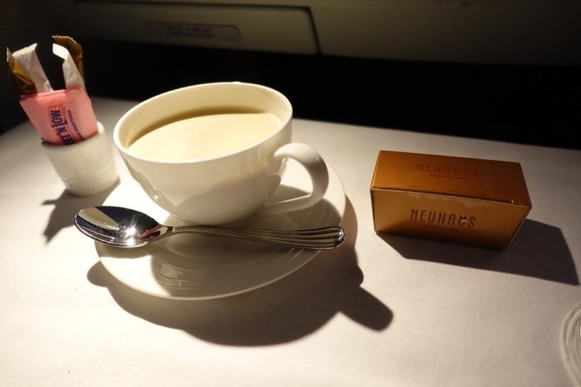 エミレーツ航空ファーストクラス:機内食(洋食)6