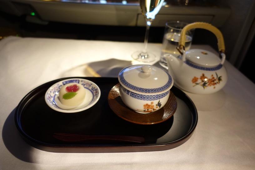 エミレーツ航空ファーストクラス:機内食(和食)3