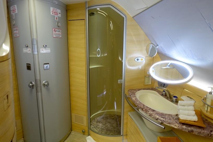エミレーツ航空ファーストクラス:シャワー&トイレ3