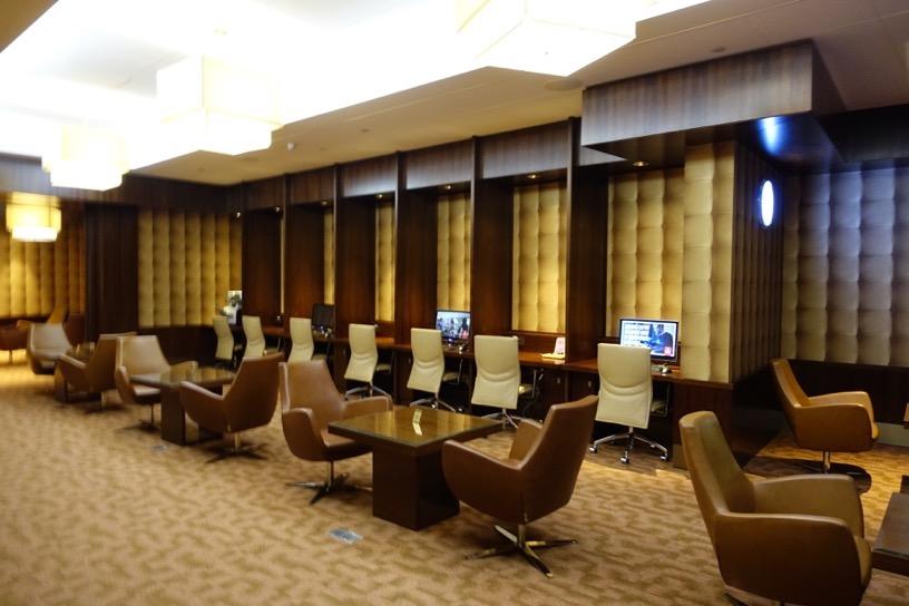 ファーストクラスラウンジ(ドバイ空港):ビジネスセンター1