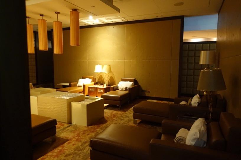ファーストクラスラウンジ(ドバイ空港):仮眠室1