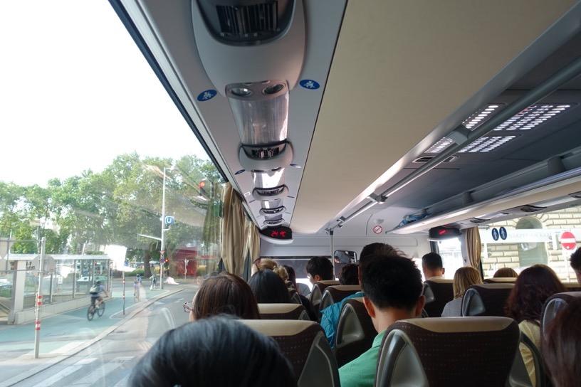 ウィーンのアウトレット:シャトルバスの乗車方法2