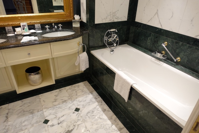 ホテル インペリアル ウィーン:バスルームとアメニティー1
