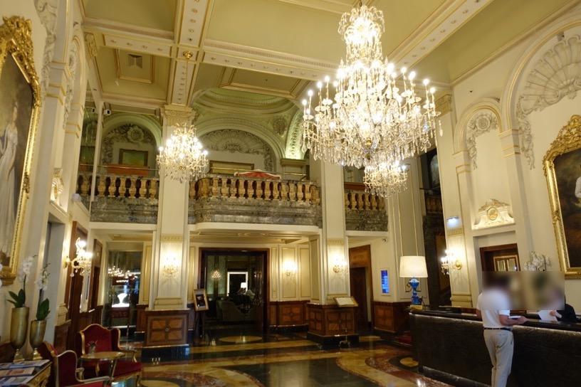 ホテル インペリアル ウィーン:ホテルの外観とロビー2