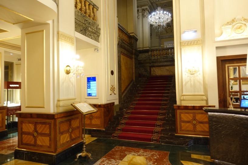 ホテル インペリアル ウィーン:ホテルの外観とロビー5