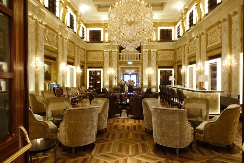 ホテル インペリアル ウィーン:ホテルの外観とロビー4