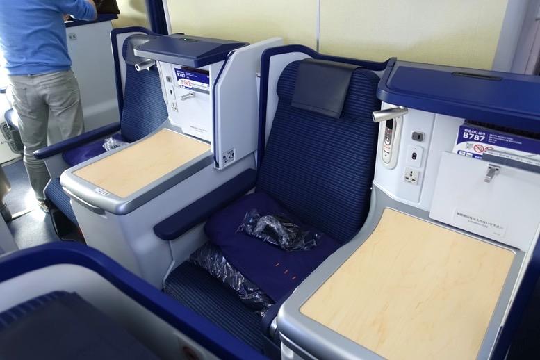 「ホノルル=羽田」ハワイ便のビジネスクラスのシート