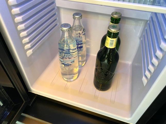 「メズム東京」のミニバー(冷蔵庫)