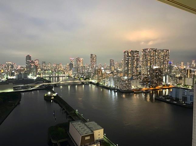 「メズム東京」のテラス(夜景)