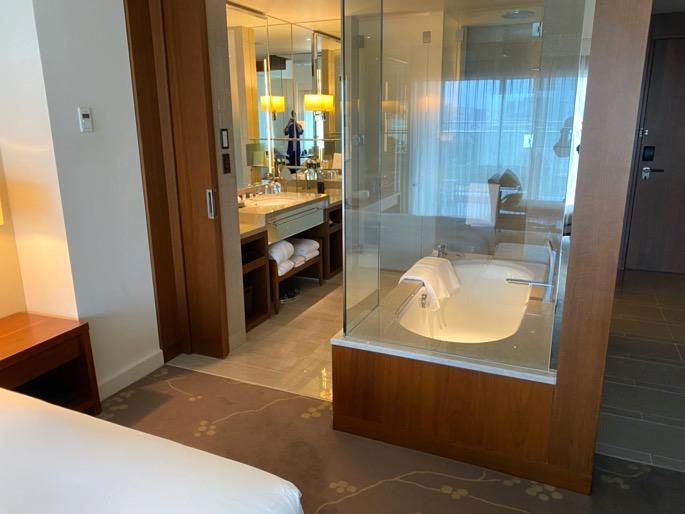 パレスホテル東京:客室(バスルーム)