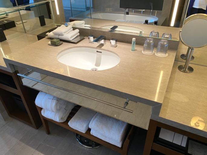 パレスホテル東京:客室(洗面台)