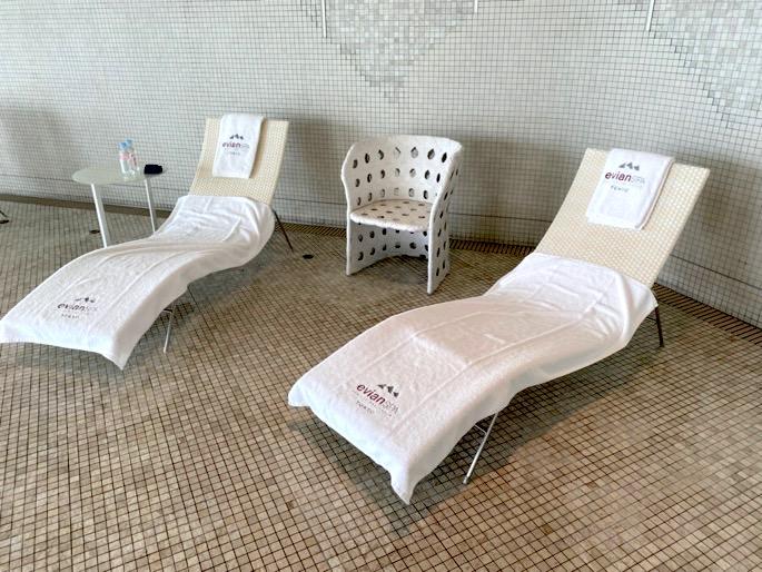 パレスホテル東京「エビアンスパ」:チェア