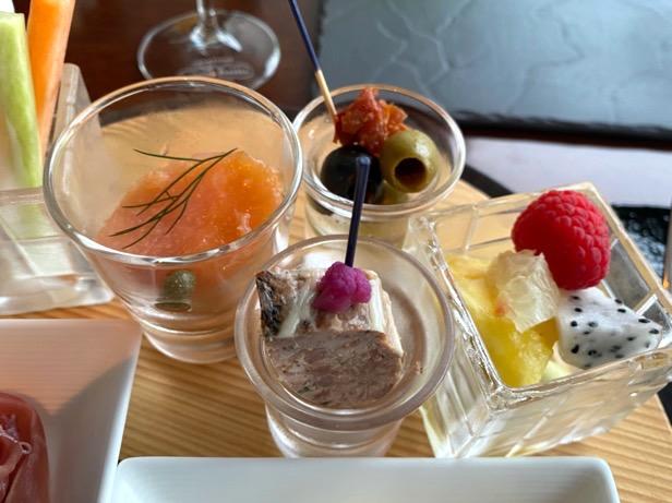 パレスホテル東京「クラブラウンジ」:カクテルタイム(フード2)