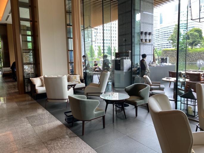 パレスホテル東京「グランドキッチン」:室内席(ソファー)