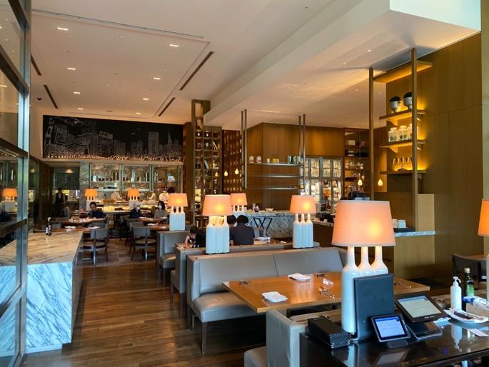 パレスホテル東京「グランドキッチン」:室内席(テーブル1)