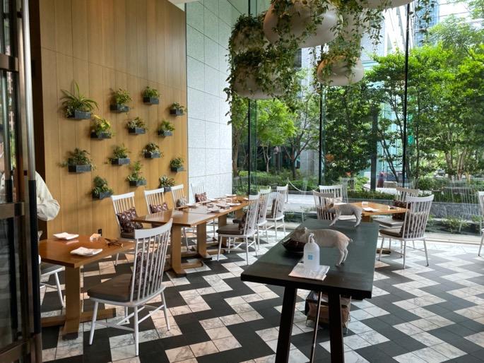 パレスホテル東京「グランドキッチン」:室内席(テーブル2)
